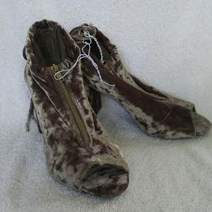 Record Sakai Brown Gray Crushed Velvet Shoes